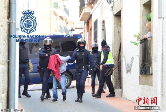 西班牙华人遇案件该找谁? 几招教你细辨假警察