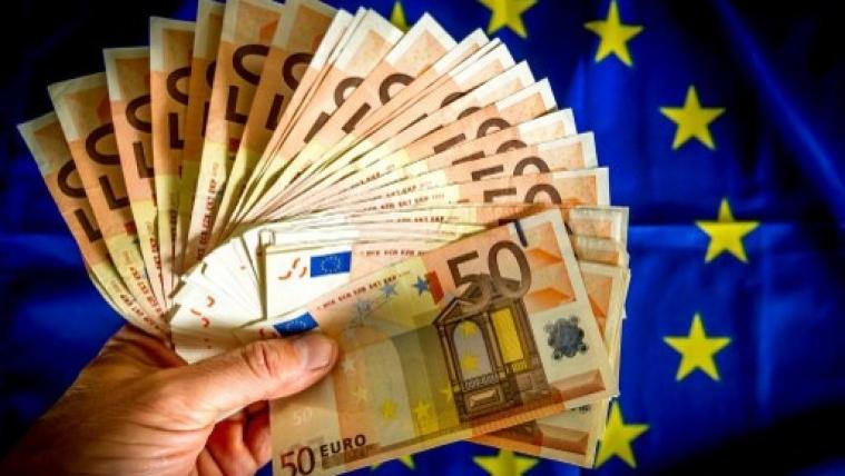 法国会选举第一评论投票后 欧元走高 英镑走低