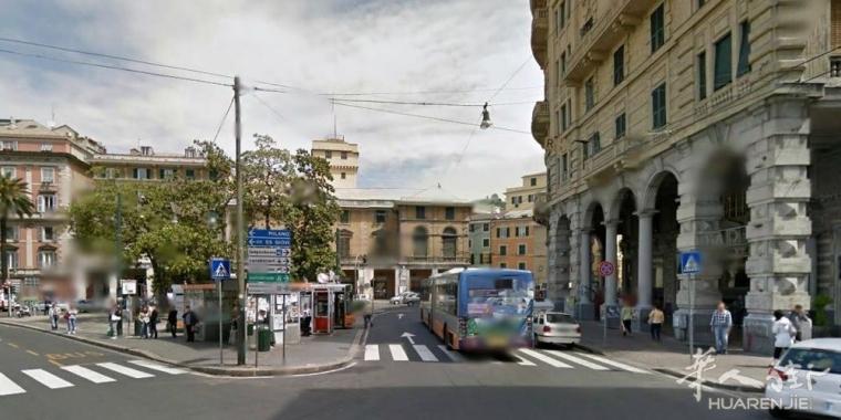 热那亚一华人被公车撞倒 伤势严重