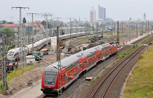 一夜发生13起针对德国铁路的纵火事件