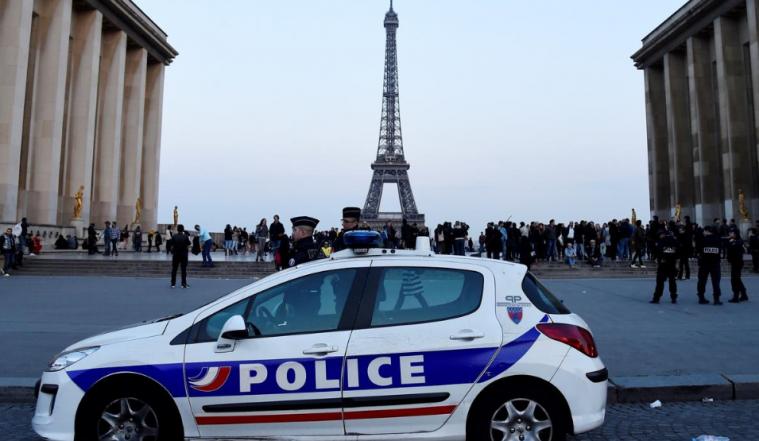 法国音乐节现事故,2人死亡,巴黎142人被捕