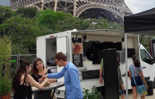 吃货福利到!巴黎开办首届餐车小吃节