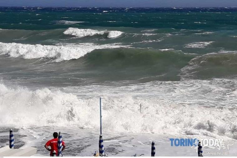 都灵4名游客在SAVONA海里游泳溺水,一人死亡3人获救