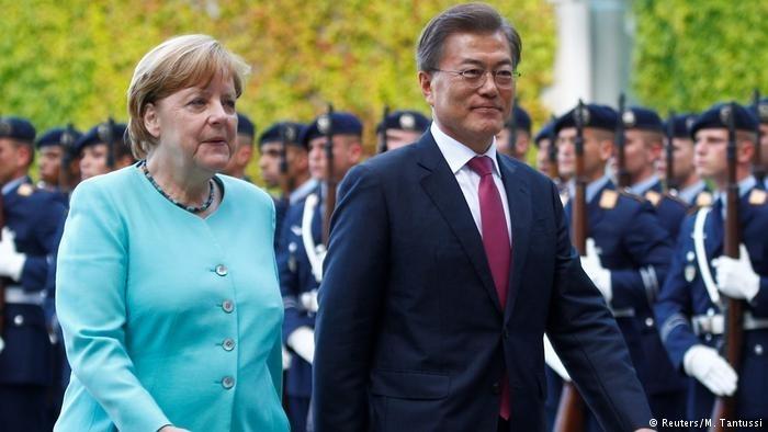 默克尔会见文在寅:将对朝鲜实施更严厉制裁,盼两韩统一
