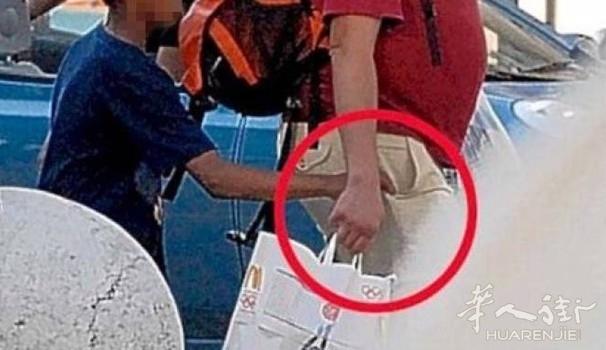 米兰Corso Buenos Aires一天一偷 拿纸讨钱扒窃猖獗
