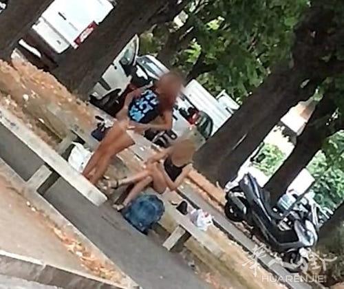 罗马闹市繁华街道一名妓女当场脱裤子被拍