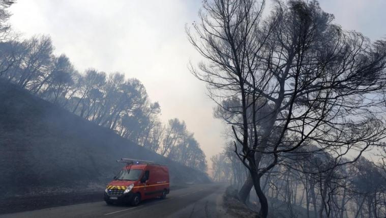 法国南方三处森林大火