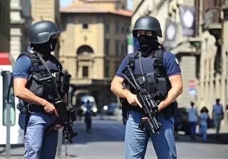你知道意大利人在防恐上有多努力么?!简直已经使出了洪荒...