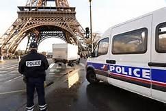 铁塔下的恐袭计划:嫌犯试图袭击士兵被抓