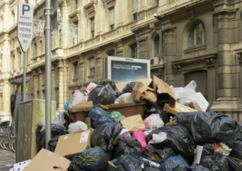 巴黎清洁工本周二继续罢工