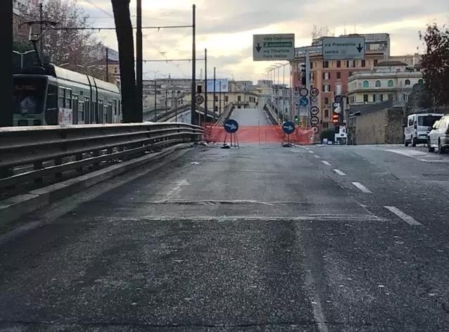 """罗马遭遇""""史诗级堵车"""": 100米堵1小时, 明早恐还将继续! ..."""