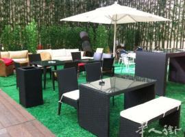 巴黎弘威家具公司,产品多样可供选择,价格优惠,批发另售,欢迎惠顾