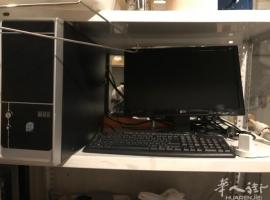 出二手柜台,烤箱,糕点冰柜电话636373084