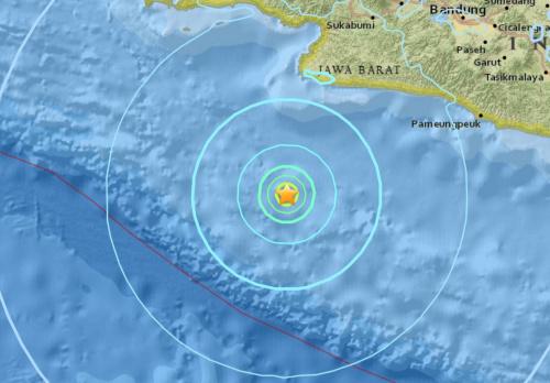 印尼发生浅层地震民众惊慌 首都雅加达有震感