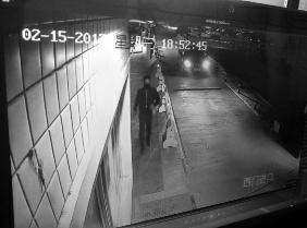 团伙深夜剪断防护网入室盗窃 偷走5根金条大量现钞