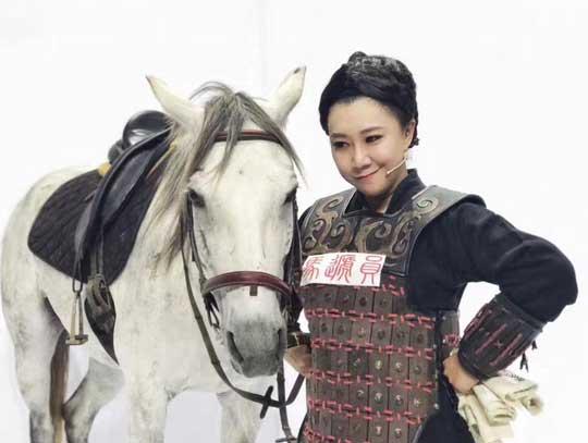 《年代秀》范湉湉化身湉贵妃探寻丝绸之路