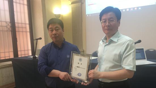 中国人民大学教授徐经长接受专访 谈海外华商发展之道