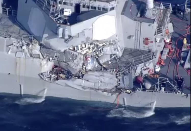 美驱逐舰与菲律宾货轮相撞 7名美国军人失踪