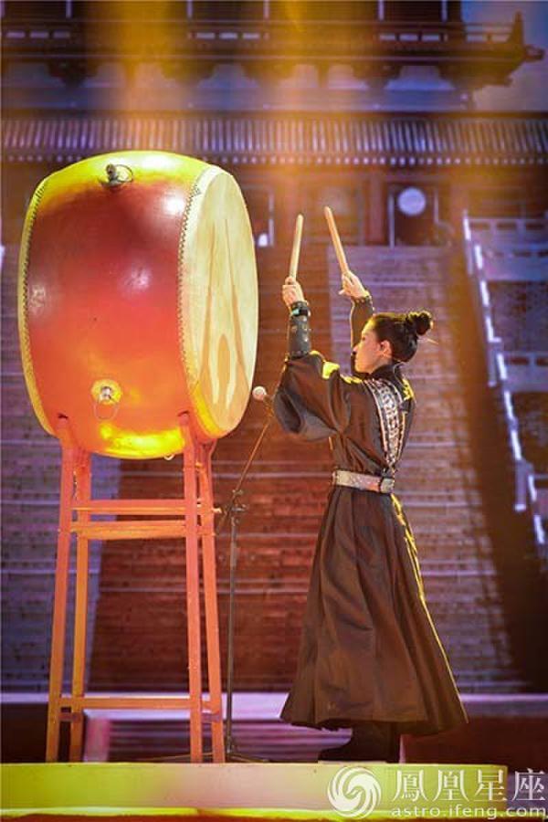 《跨界歌王》江珊归来再演音乐剧 苗圃擂鼓反串回归