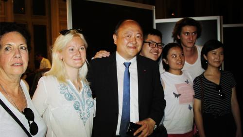 法国本土首位华裔国会议员诞生:将推动中法友好