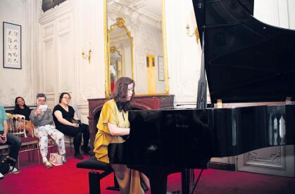 """巴黎""""东方之音""""的音乐会:王滨用钢琴讲述中国故事"""