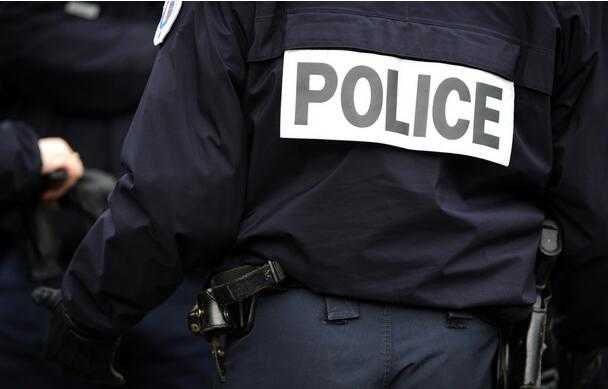 法国女子深夜射杀熟睡前男友 称曾受其虐待