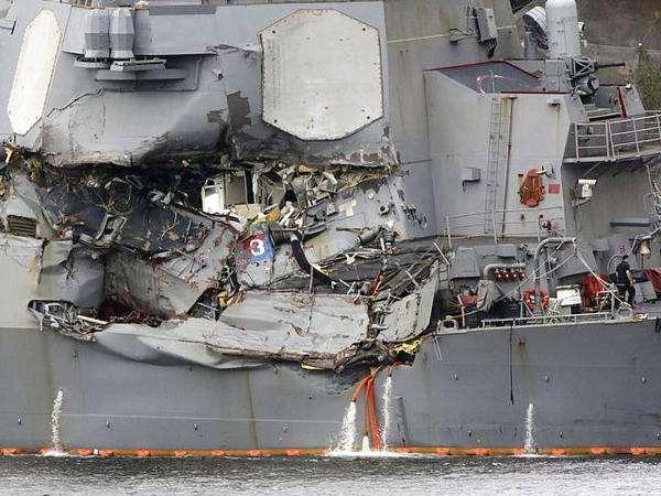 一个巴掌拍得响 美军驱逐舰挨撞是自身问题?