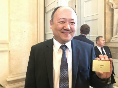 华裔法国国会议员陈文雄开始履责:深感责任重大