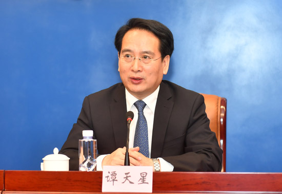 谭天星:香港繁荣稳定是全球华侨华人的共同心愿