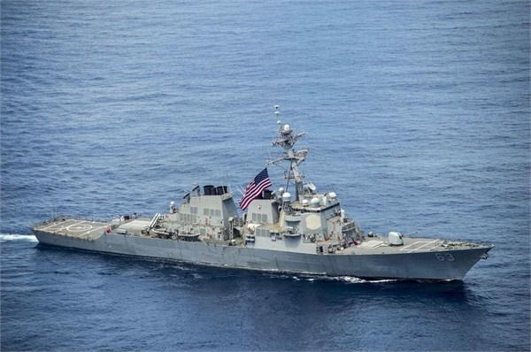 社评:美舰再闯我南海岛礁12海里 就得空着手滚