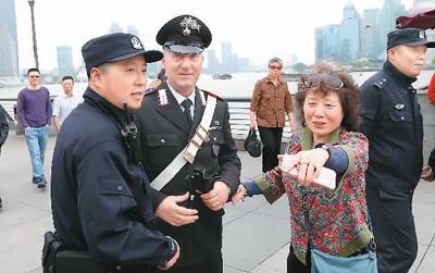 老外点赞中国社会治安 中国很安全