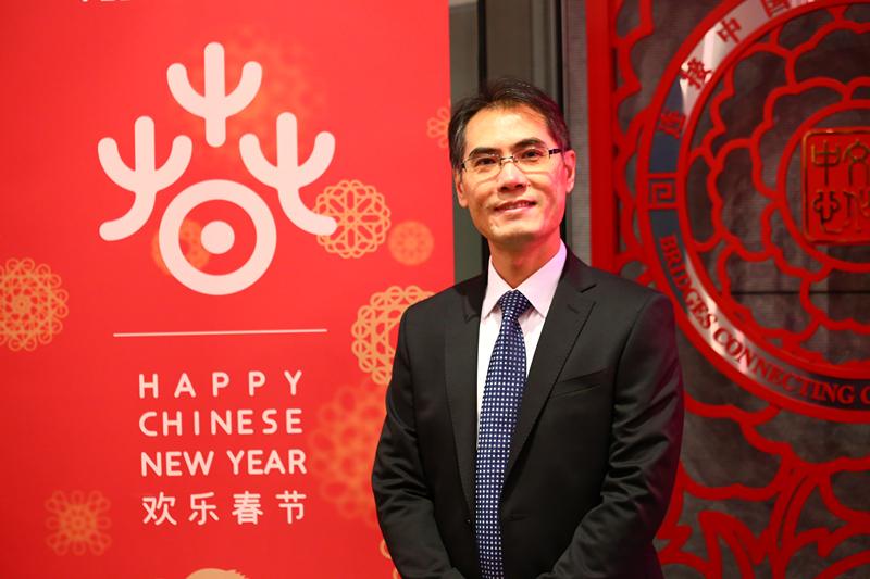 巴黎中国文化中心主任严振全:和法国友人共同讲好中国故事 ...