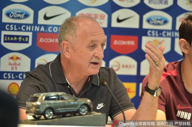 斯帅:郑智是世界足坛上好榜样 想一生执教暴力鸟