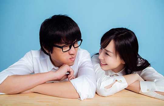 """卢庚戌夫妇承认怀二胎 男生调侃自己""""老当益壮"""""""