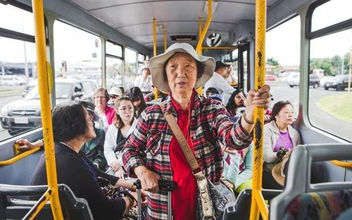 我们把父母接到新西兰 他们是否真的快乐?