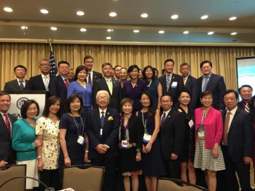 华裔众议员勉励实习生 深耕梦想,未来成为领袖
