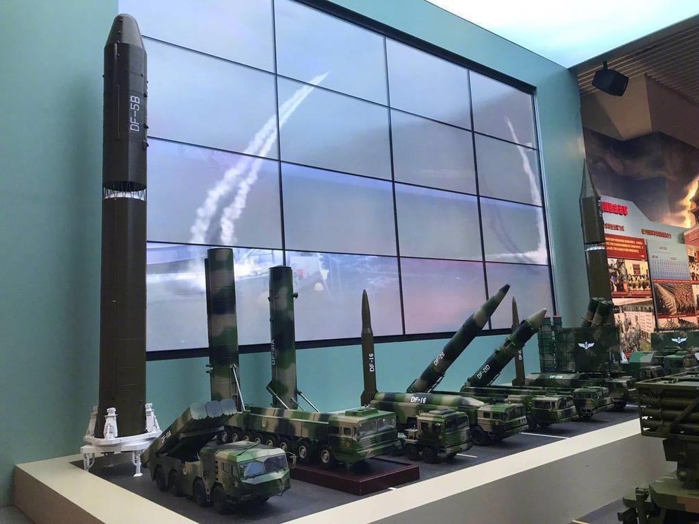 解放军主战装备扎堆军博亮相 东风31AG引关注