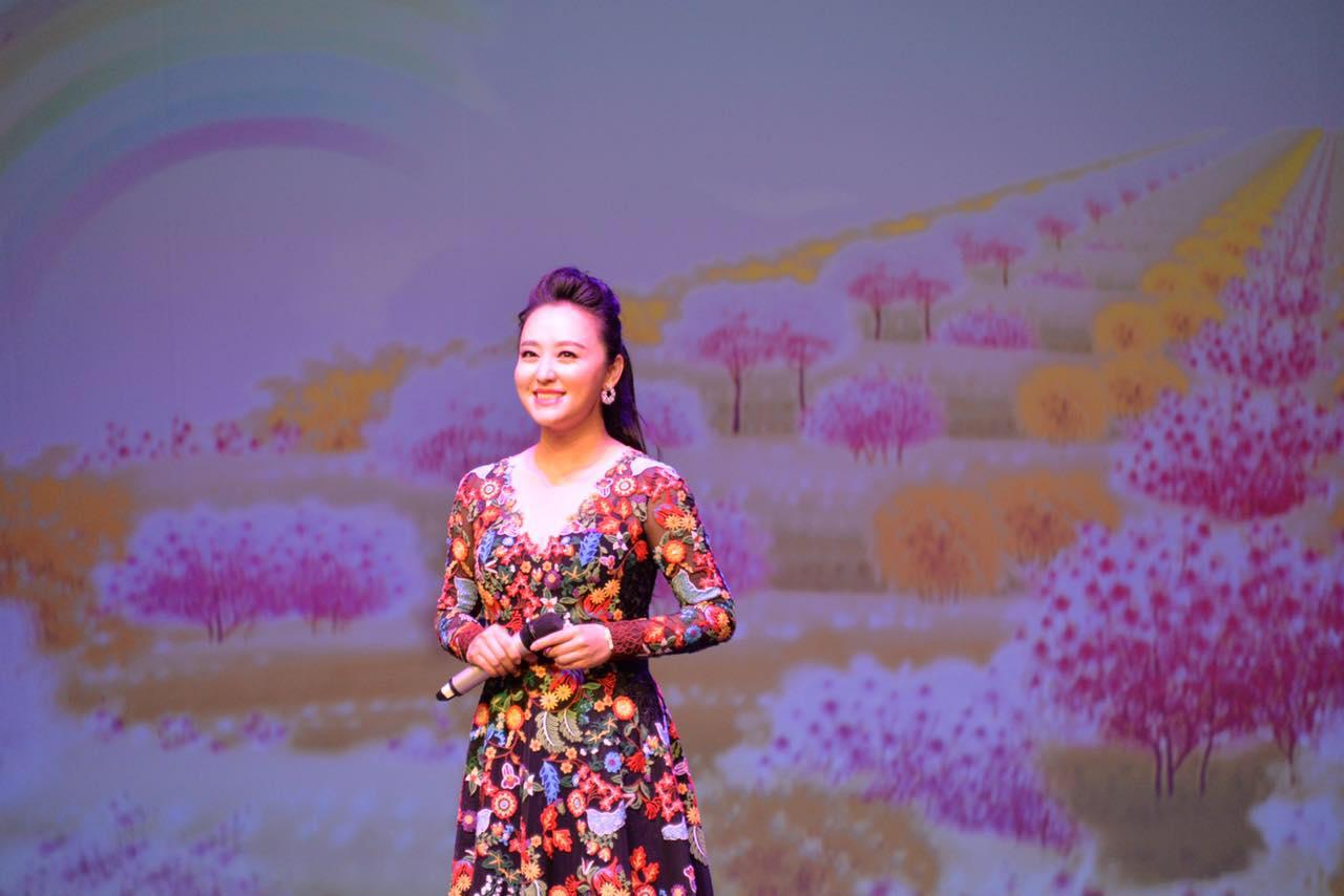 """中国侨联""""亲情中华·筑梦丝路""""艺术团走进意大利边陲名镇波尔查诺 ... ... ..."""