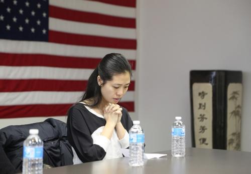 美国华裔警官刘文健殉职近三年 遗孀为其诞下女儿