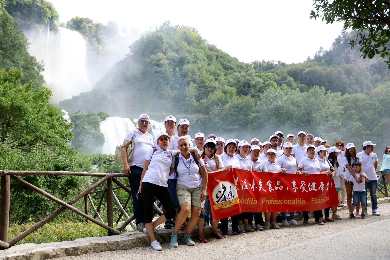欧洲食品企业味美集团组织奖励员工集体度假旅游