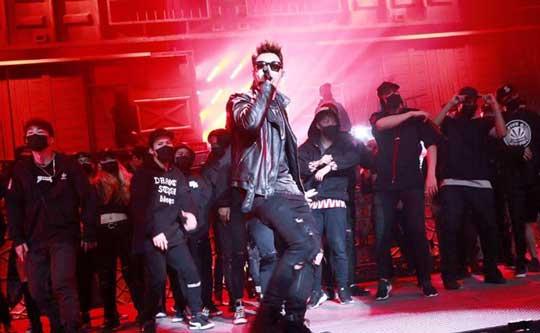 潘玮柏《中国有嘻哈》新歌舞台首秀 嘻哈魂燃现场