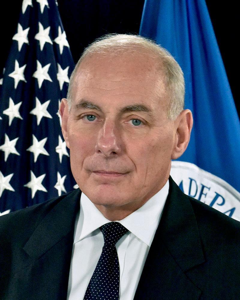 特朗普任命美国国土安全部长出任白宫幕僚长