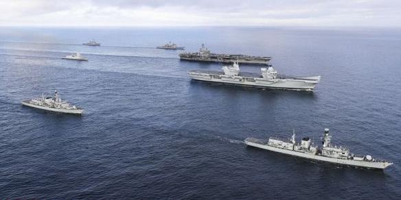 外媒称英国新航母遭质疑:脆弱且拖累全国防务